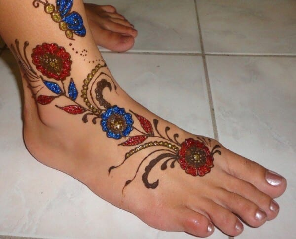 Best Glitter Mehndi Designs (29)