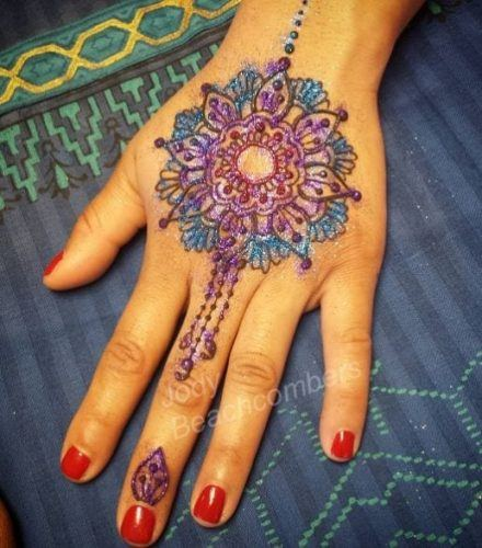 Best Glitter Mehndi Designs (26)