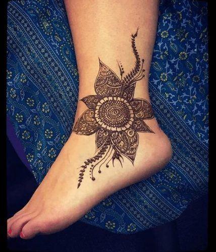 Beautiful Mehndi Designs for Feet (38)