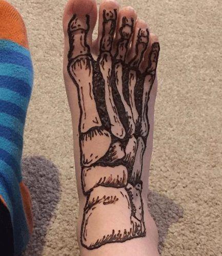 Beautiful Mehndi Designs for Feet (37)