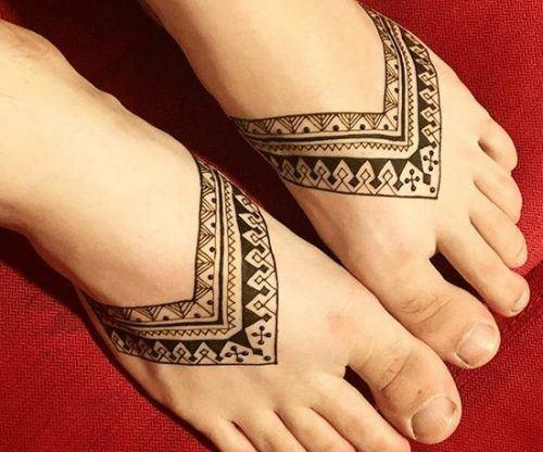 Beautiful Mehndi Designs for Feet (36)