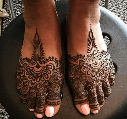 Beautiful Mehndi Designs for Feet (35)