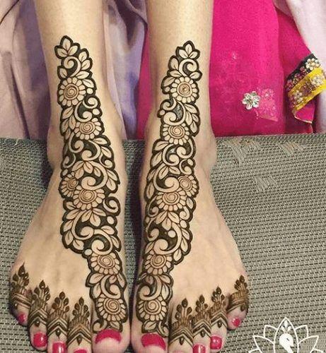 Beautiful Mehndi Designs for Feet (50)