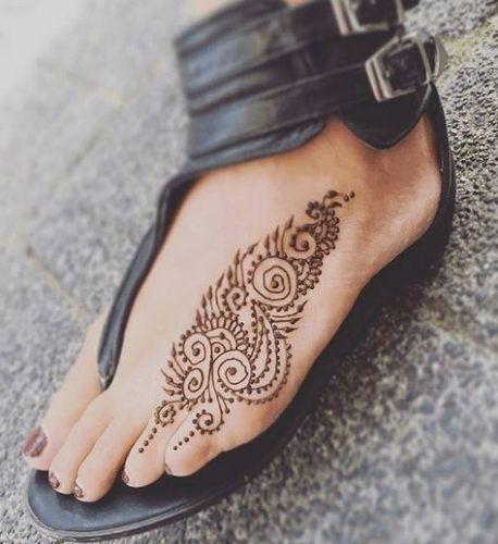 Beautiful Mehndi Designs for Feet (31)