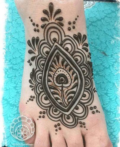 Beautiful Mehndi Designs for Feet (25)