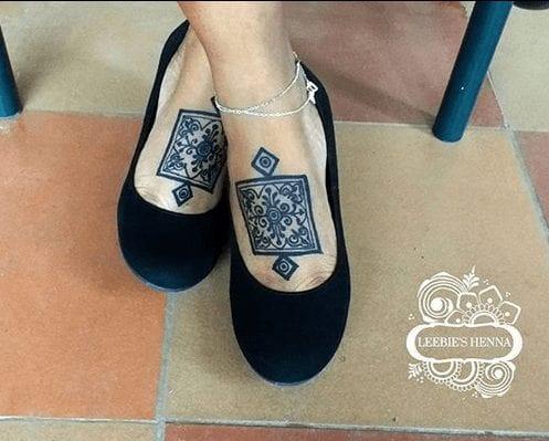 Beautiful Mehndi Designs for Feet (22)