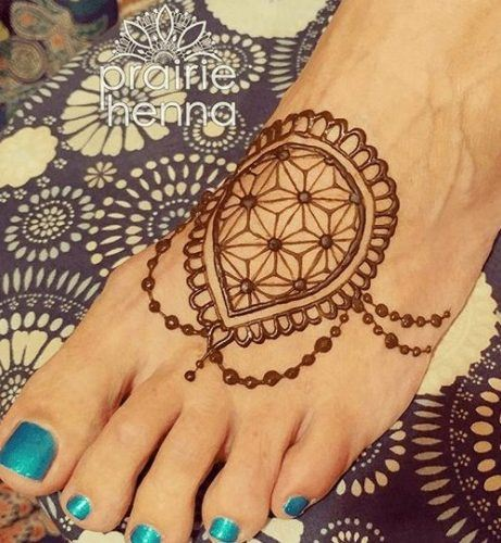 Beautiful Mehndi Designs for Feet (19)