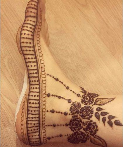 Beautiful Mehndi Designs for Feet (16)