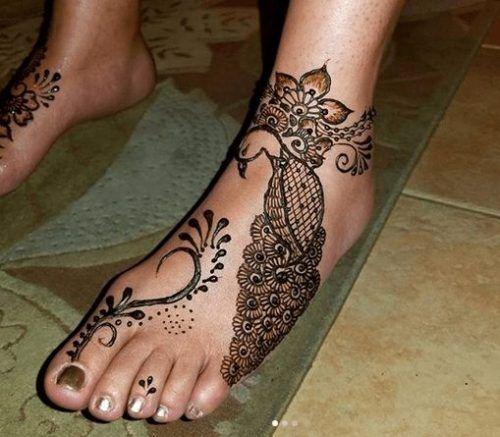 Beautiful Mehndi Designs for Feet (13)