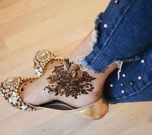 Beautiful Mehndi Designs for Feet (48)