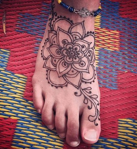 Beautiful Mehndi Designs for Feet (12)