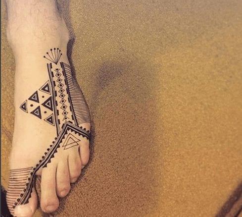 Beautiful Mehndi Designs for Feet (6)