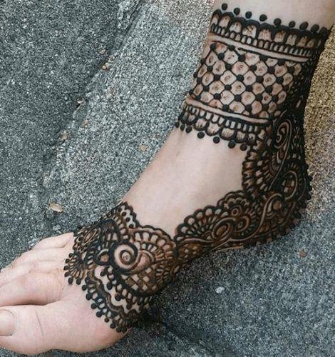 Beautiful Mehndi Designs for Feet (3)