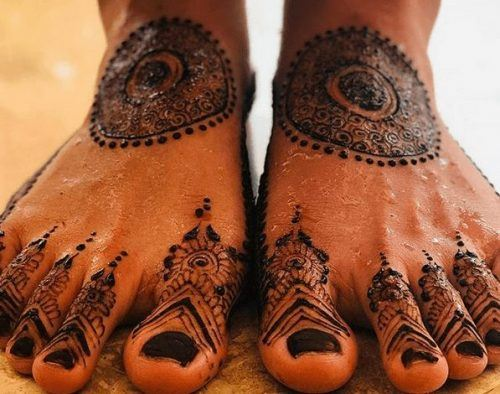 Beautiful Mehndi Designs for Feet (47)