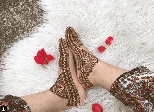 Beautiful Mehndi Designs for Feet (44)