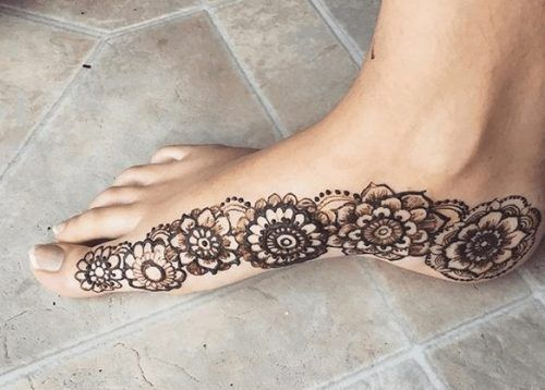 Beautiful Mehndi Designs for Feet (43)