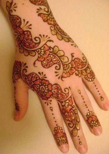 Best Glitter Mehndi Designs (21)