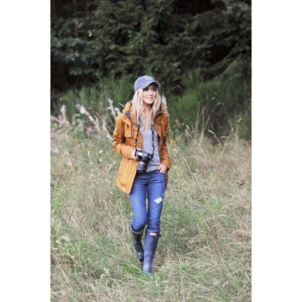 Hiking Outfits for Women to Wear in Winter (16)