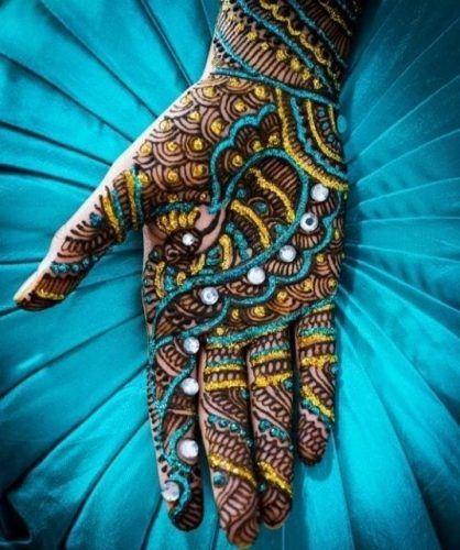 Best Glitter Mehndi Designs (16)
