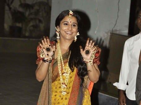 Celebrities Wedding Mehndi Designs (3)