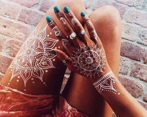 Colourful Henna And Mehndi Designs (2)