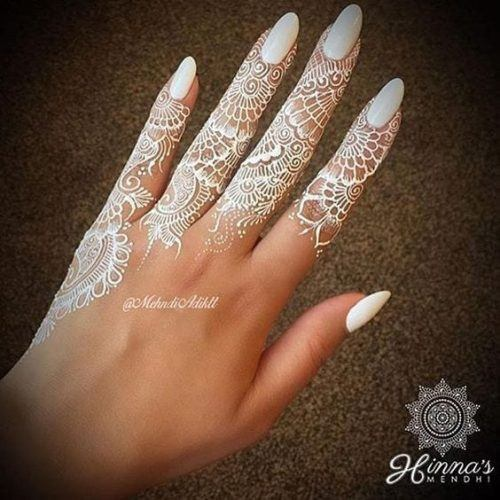 Colourful Henna And Mehndi Designs (1)