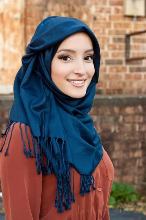 Modest Fashion Ideas with Pashmina Scarves (9)
