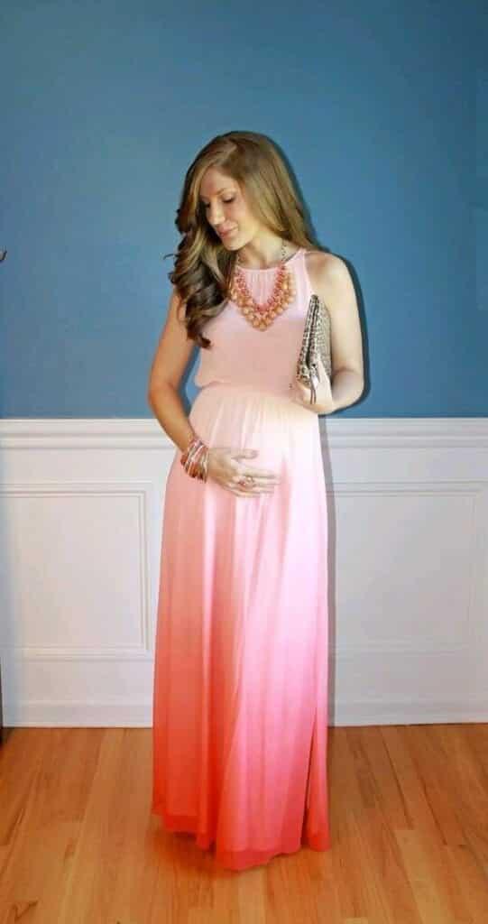Stylish Maternity Christmas Outfits (21)