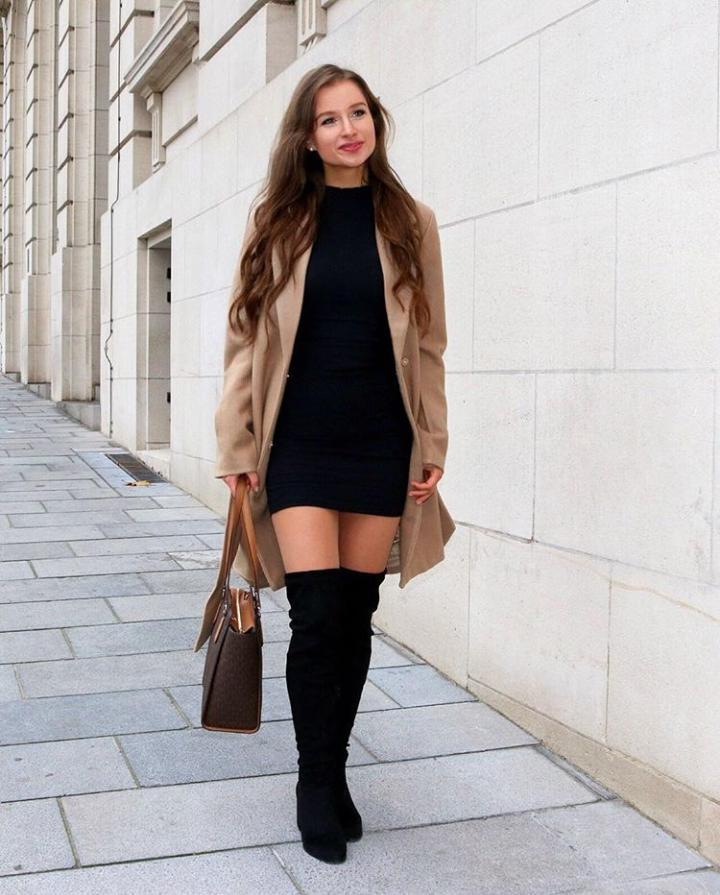 A Little Black Dress is Always a Good Idea (4)