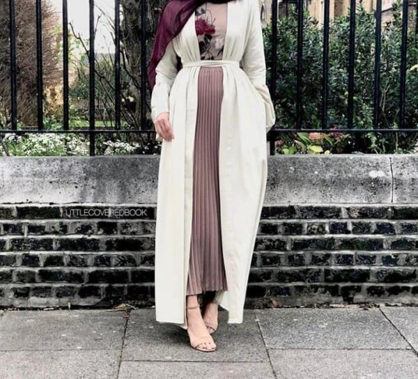 A Fusion Between Modern and Traditional Abaya Styles (20)