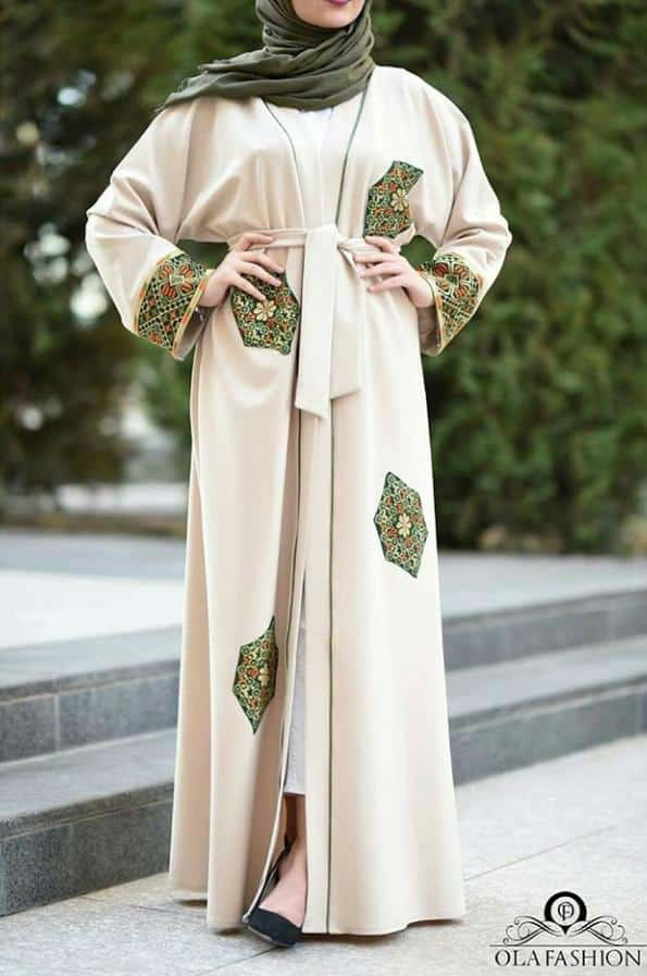 A Fusion Between Modern and Traditional Abaya Styles (6)