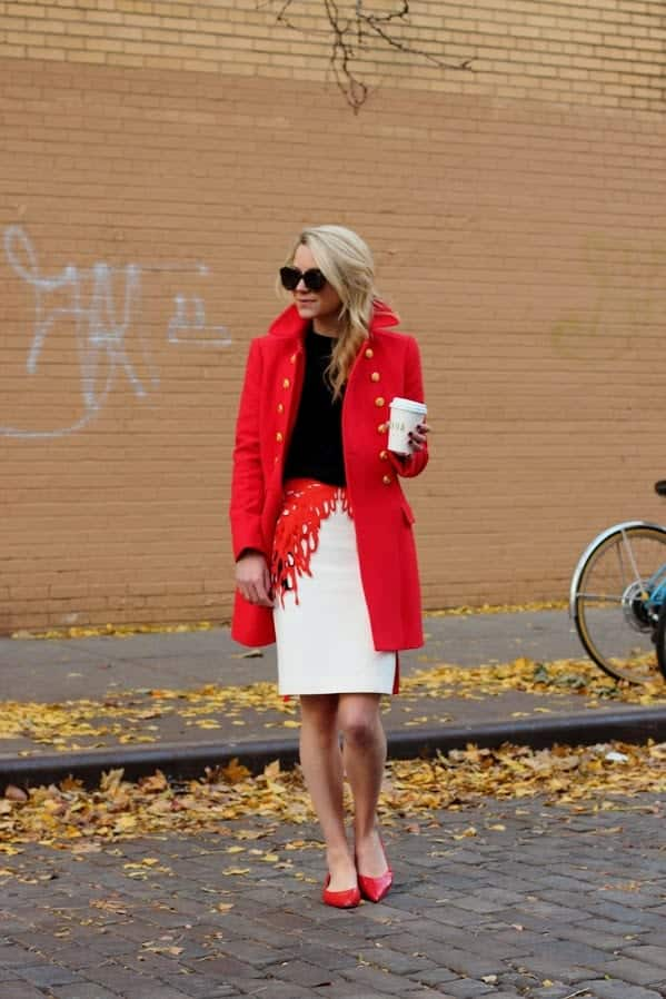 how to wear coral outfits